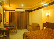 accommodation_sangli_hotel_iconinn_executive_room_02-img