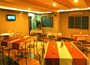 sangli_cafe_restaurant_hotel_iconinn_central_perk_01-img