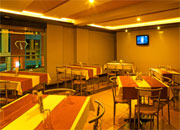 sangli_cafe_restaurant_hotel_iconinn_central_perk_02-img